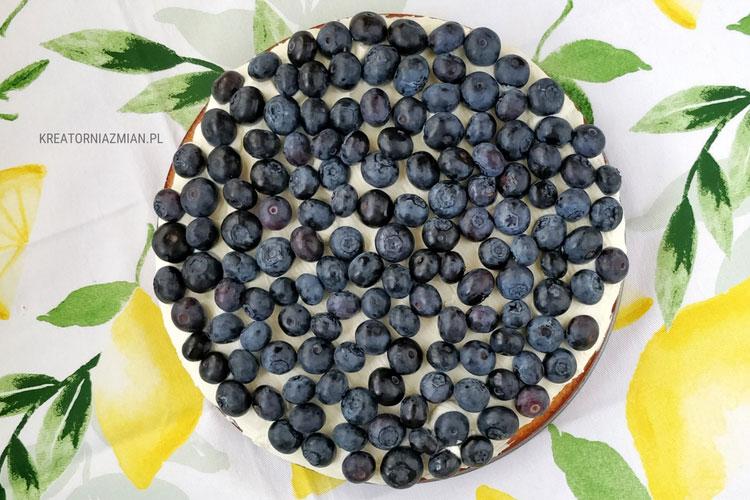 ciasto-migdałowe-z-mascarpone-i-borówkami-2