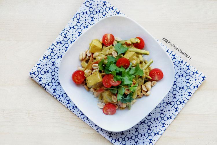 Weganskie Curry Z Tofu Orzeszkami Slonymi I Mleczkiem Kokosowym
